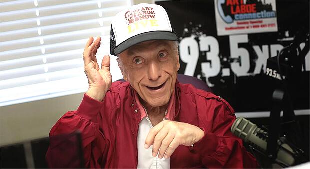 93-летний радиоведущий ведет программы на протяжении уже 75 лет - Новости радио OnAir.ru