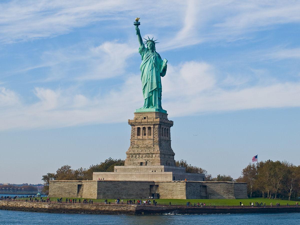 http://ipic.su/img/img7/fs/1200px-Statue_of_Liberty_NY.1530949609.jpg