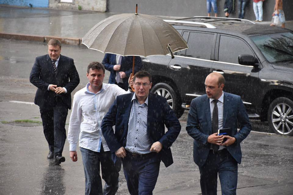 Интерпол возобновил розыск Иванющенко, - Аваков - Цензор.НЕТ 1809