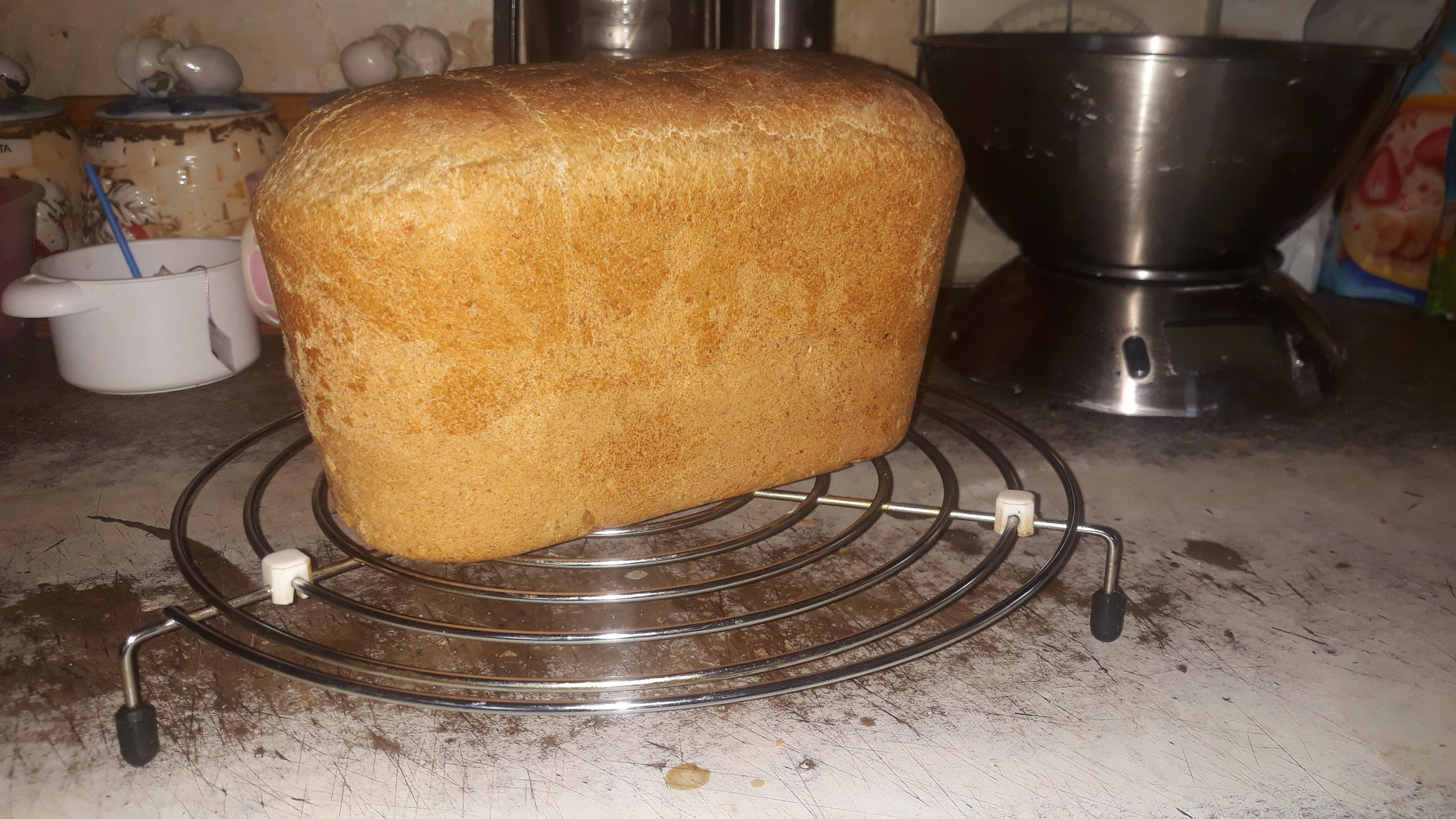 Поверхность формы для выпечки хлеба