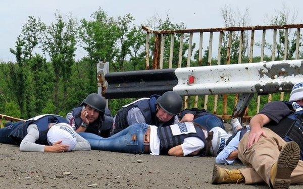 Ситуация в зоне АТО обостряется: за сутки зафиксировано 25 обстрелов со стороны боевиков, горячее всего на донецком направлении, - штаб - Цензор.НЕТ 759