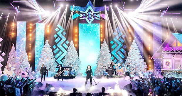 Большой праздничный концерт «Русское Рождество» прошел на сцене Crocus City Hall - Новости радио OnAir.ru