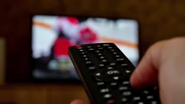 Этим летом телевизор упивался своей низостью. Все ради рейтингов - Новости радио OnAir.ru