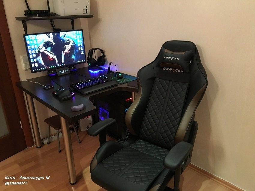 Геймерское кресло DXRacer OH/DF73/NC (шоколад)