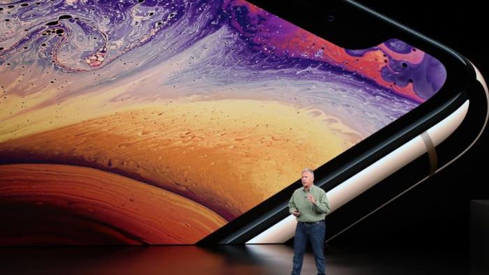Средний россиянин должен работать месяцами для покупки iPhone Xs