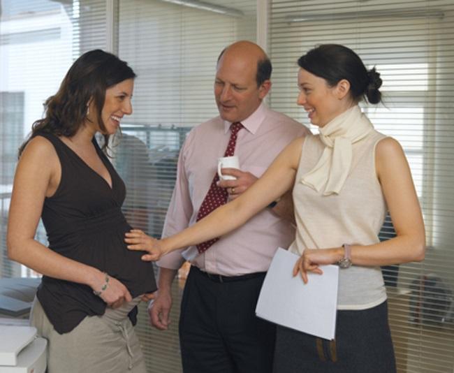 Как работодатели научились узнавать о беременности сотрудниц