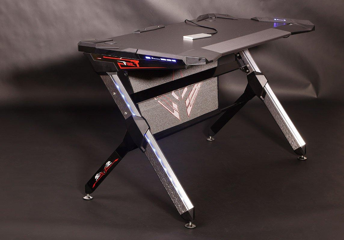 стол  для профессиональных киберспортсменов в Санкт-Петербурге