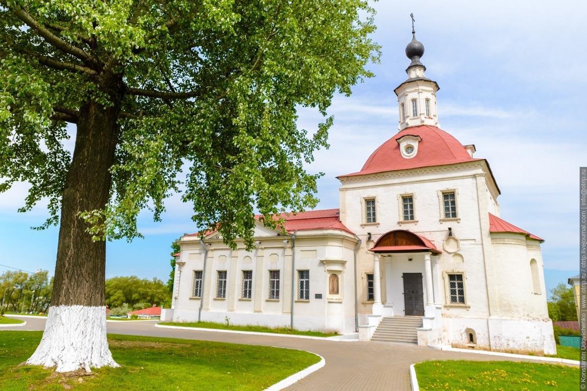Достопримечательности Коломны: Церковь Воскресения в крепости