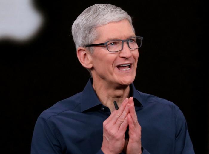 Тим Кук объясняет, почему iPhone становится дорогим