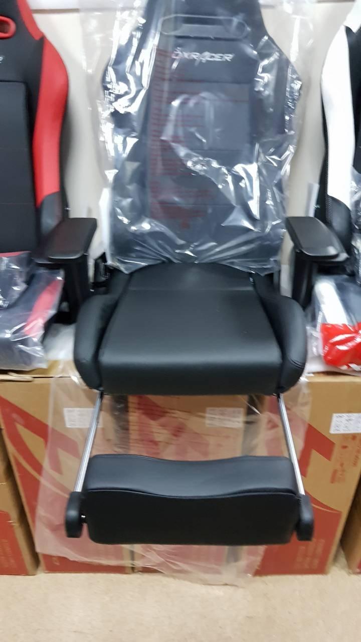 кресло с подставкой для ног от DXRacer OH/IS03/N/FT