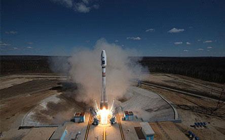 """Lol qoldiruvchi suratlar: kosmodrom """"Vostochniy""""dan uchirilgan birinchi kosmik kema."""