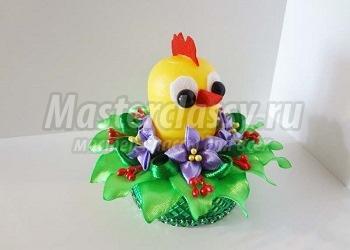 Пасхальный цыпленок из киндер-сюрприза на подставке канзаши 1494663608_14.1553656774