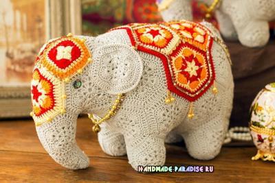 Вести Indijskij-slon-motivami-afrikanskij-tsvetok-2.1573358723