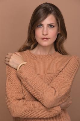 Нежный пуловер с рельефным узором Nezhnyi-pulover-s-relefnym-uzorom-images-big.1545977715