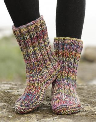 Теплые носки как альтернатива домашним тапочкам Teplye-noski-kak-alternativa-domashnim-tapochkam-images-big.1547356252