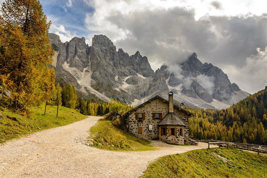 http://ipic.su/img/img7/fs/nebo-oblaka-gory-doroga-561.1445513303.jpg
