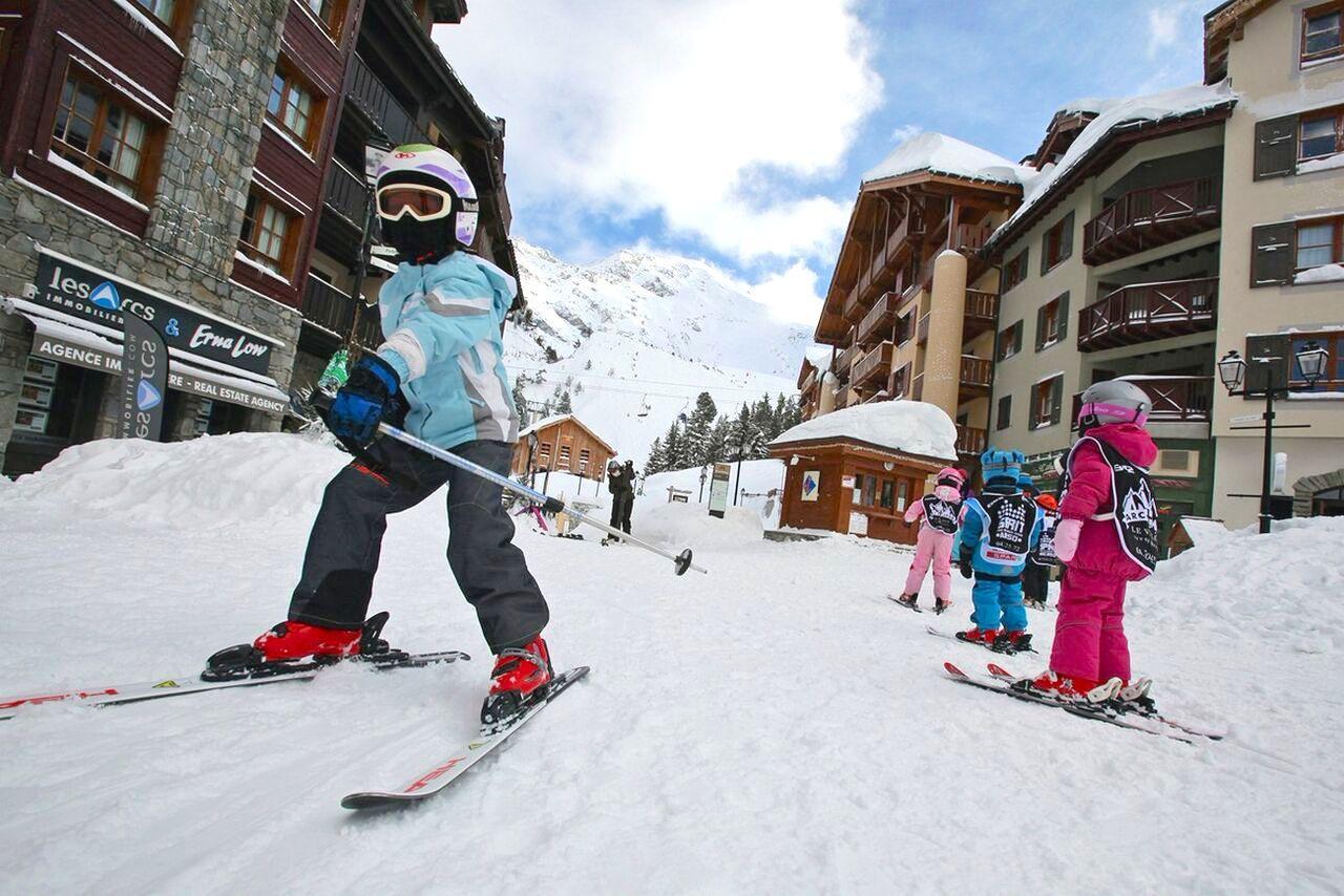 Тренируемся на снегу: четыре самых доступных зимних вида спорта