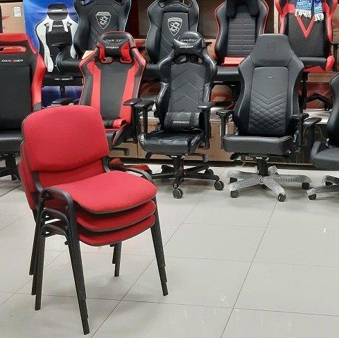 стул ИЗО для посетителей.